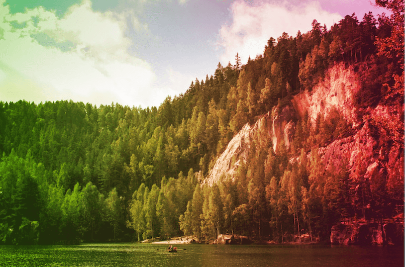 The result of blending a background image with a linear gradient background image, using the <code>overlay</code> blend mode.